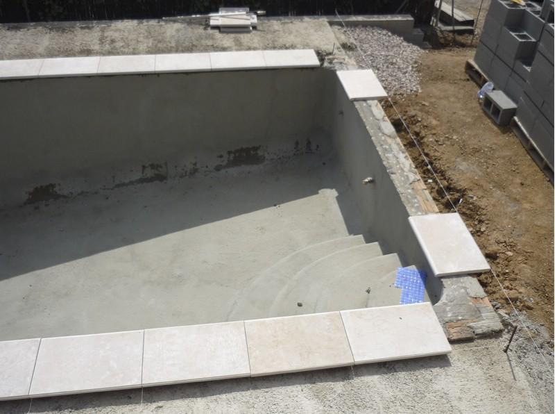 Construcci n de piscinas construcci n mantenimiento y for Coronacion de piscinas precios