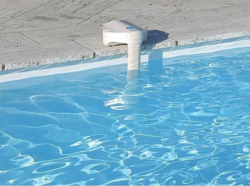 Cloraci n salina y limpiafondos construcci n for Alarma piscina